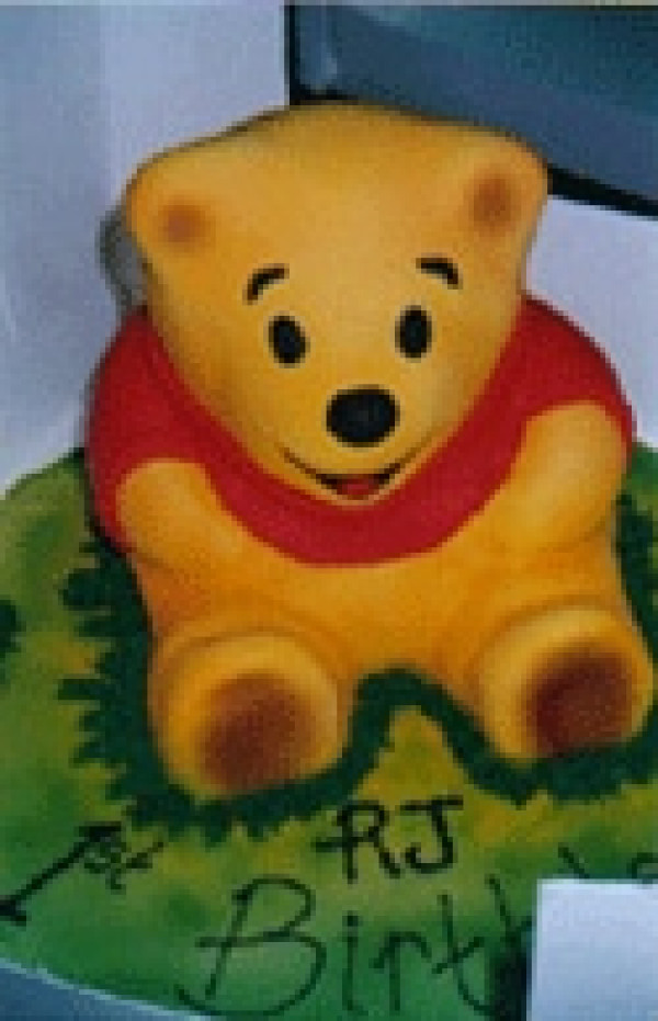 Winnie the Pooh - Cakes 2 U