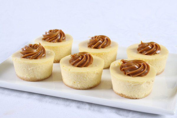 Caramel Baby Baked Cheesecakes